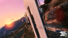 official-screenshot-trevor-scales-the-vinewood-sign